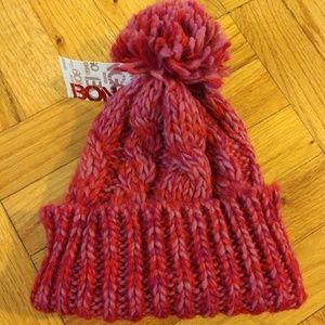 Chunky knit beanie hat with pom pom